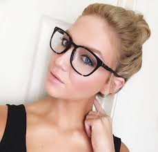 girl with black tortoise glasses
